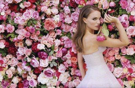 PHOTOS-Natalie-Portman-une-Miss-Dior-qui-voit-la-vie-en-rose-grace-a-Sofia-Coppola_yahooExportPaysage