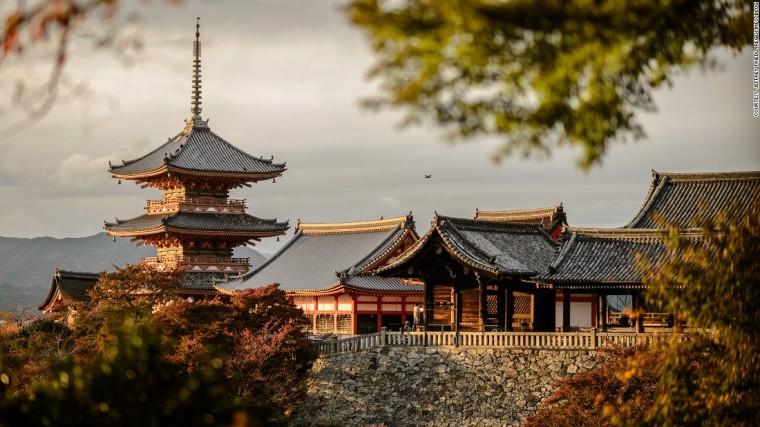 150726183949-kyoto-guide-kiyomizu-super-169
